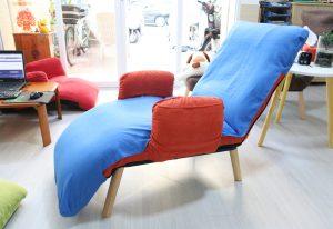 Shop có bán kèm drap , trị giá 250K để dễ dàng và tiện lợi hơn khi vệ sinh trong quá trình sử dụng ghế.