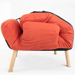 Sau khi sử dụng, ghế có thể xếp gọn lại. Không tốn diện tích và không gian